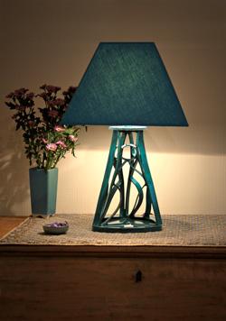m thode de cartonnage pour cr er une lampe avec du carton courb. Black Bedroom Furniture Sets. Home Design Ideas